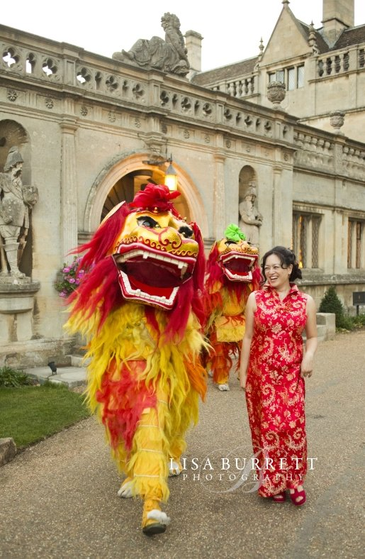 Isabel's wedding photo with Double Chinese Lions