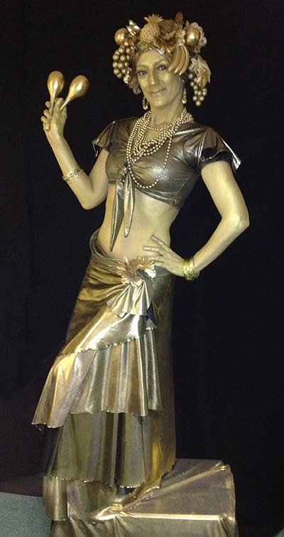 Carmen Miranda Statue