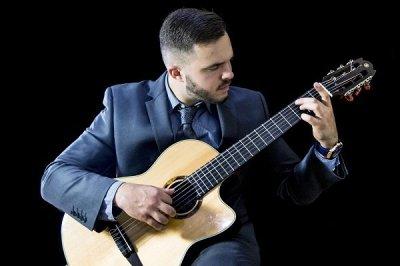 Solo Classical Guitarist In London