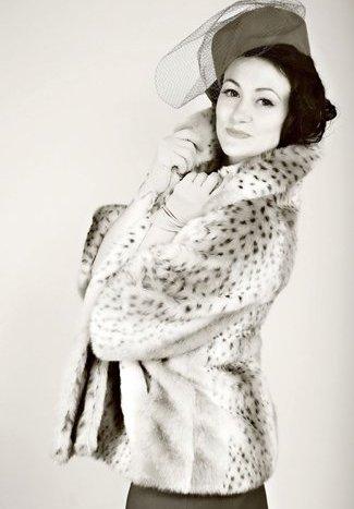 Nina Enchanting Vintage Vocalist