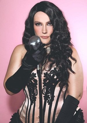 Cabaret Singer In London