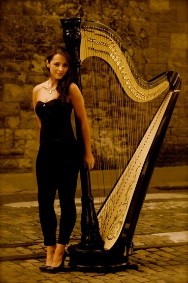 gorgeous-harpist-london