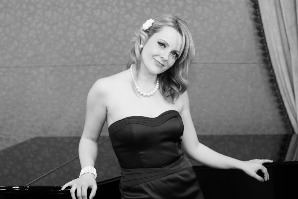 Beautiful Jazz Singer for Events in London