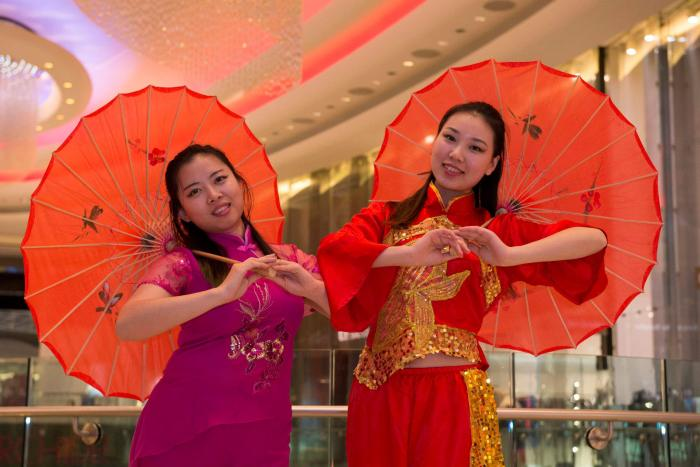 Chinese-Fan-Dancers-London