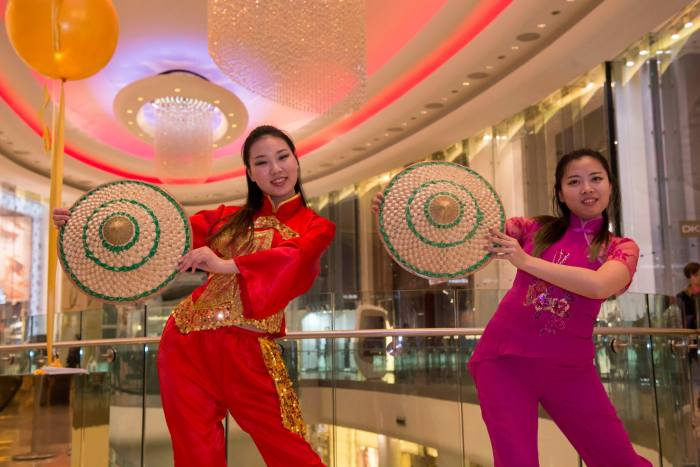 Chinese-Hat-Dancers-London