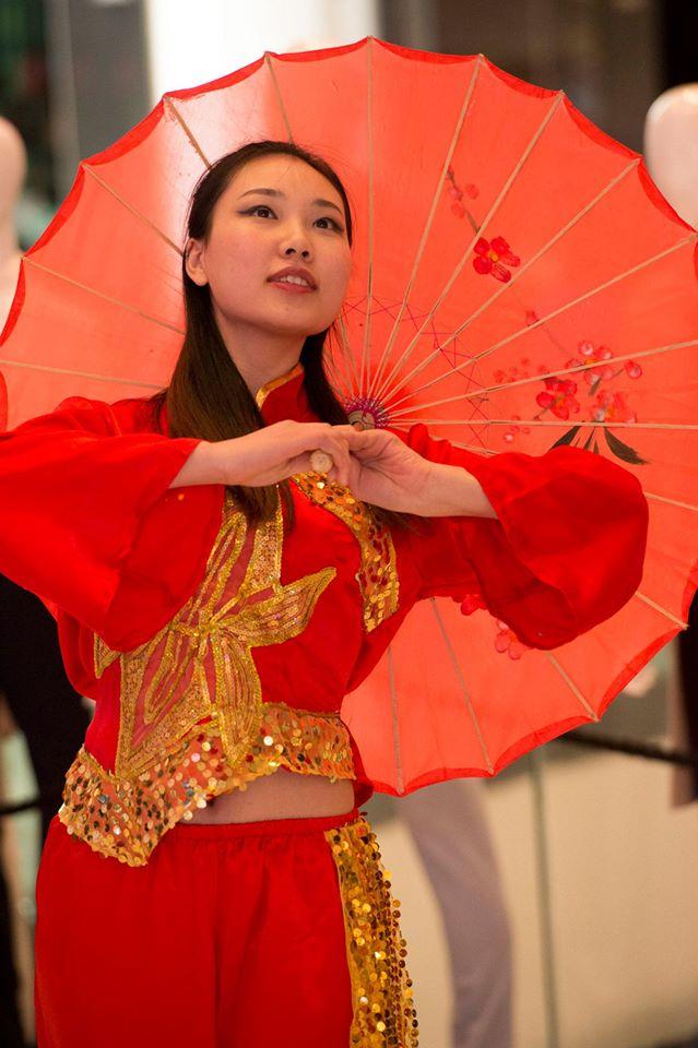 Chinese-Umbrella-Dancers-London