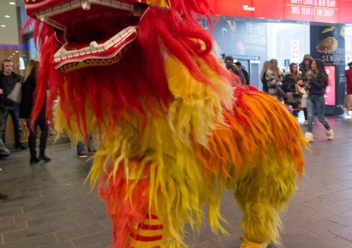 Guan-Yin-Chinese-Lion-Dancers