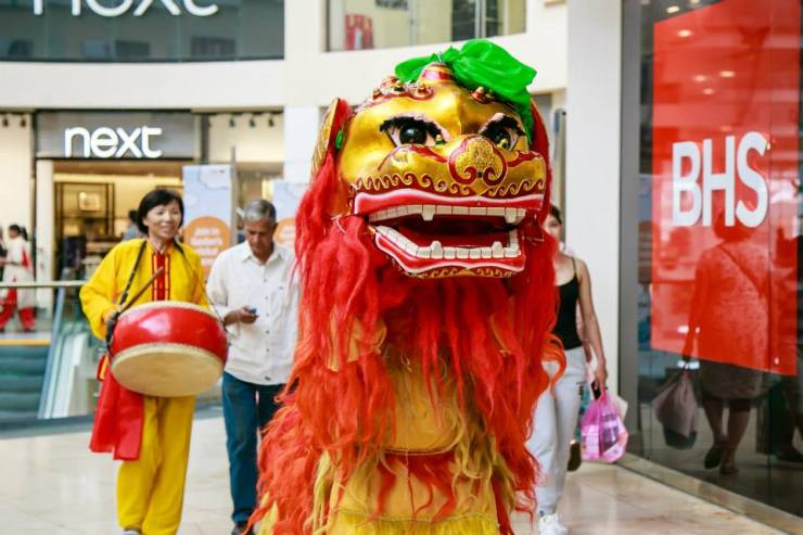 Shopping-Centre-Chinese-Lion-London