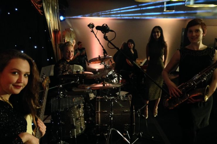 Quintet-All-Girls-Jazz-Swing-Band1