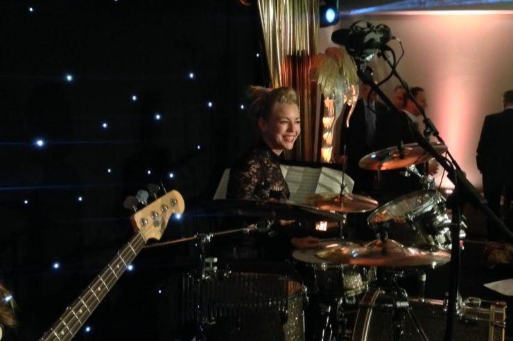 Quintet-All-Girls-Jazz-Swing-Band3