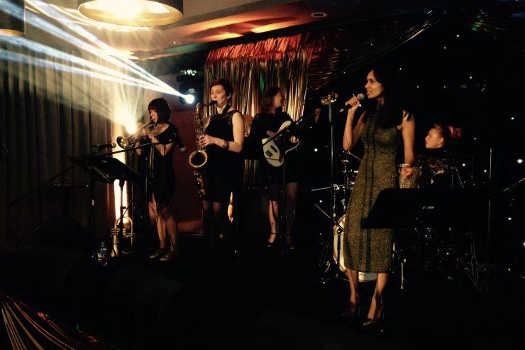 Quintet-All-Girls-Jazz-Swing-Band9