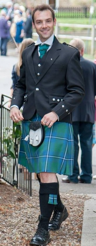 Solo Bagpiper In London For Weddings, Funerals, Events