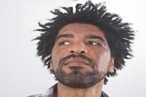 Hire A Solo Brazilian Singer & Guitarist in London - Music For London