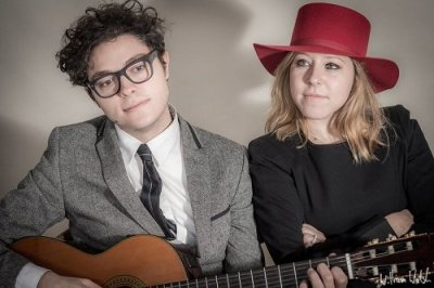The Vintage Radio Acoustic Duo - Music for London