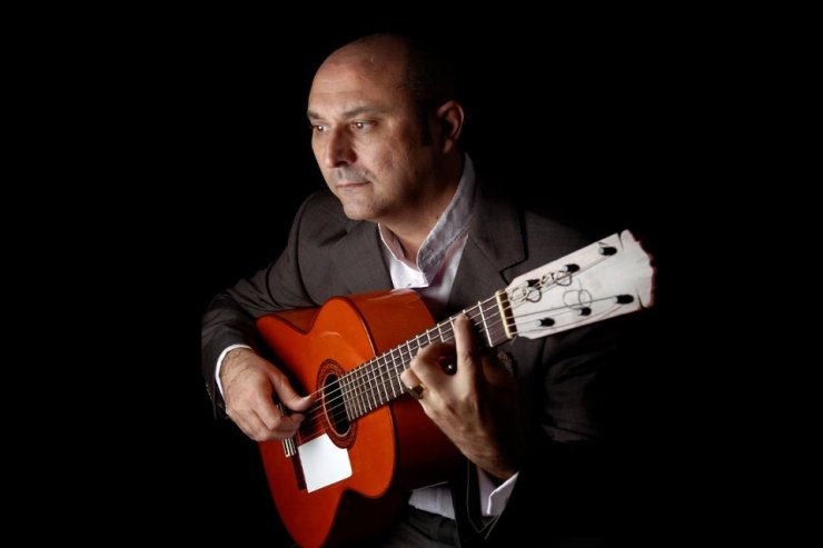 Book A Solo Classical Flamenco Guitarist - Music for London