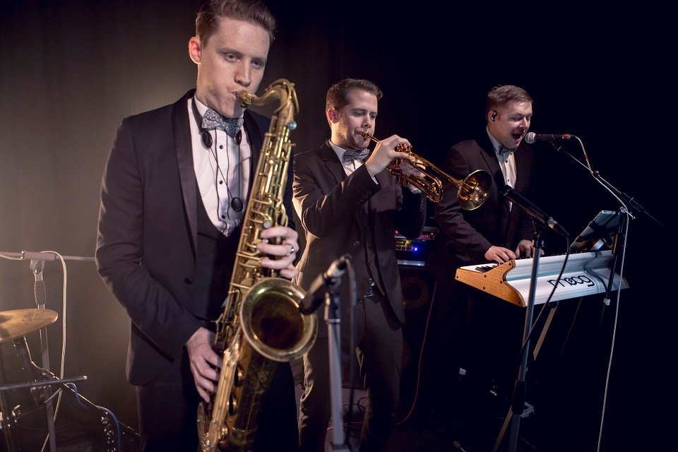 9 Piece Show Band for Hire in London - Music for London