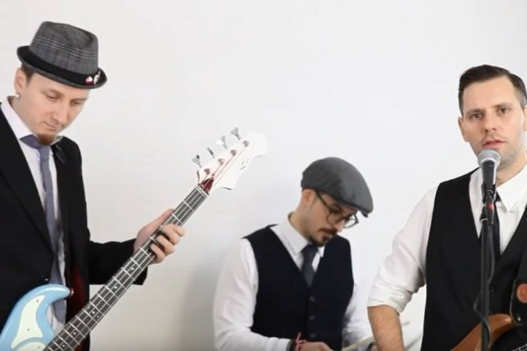 Book A Trio Party Band in London - Music for London