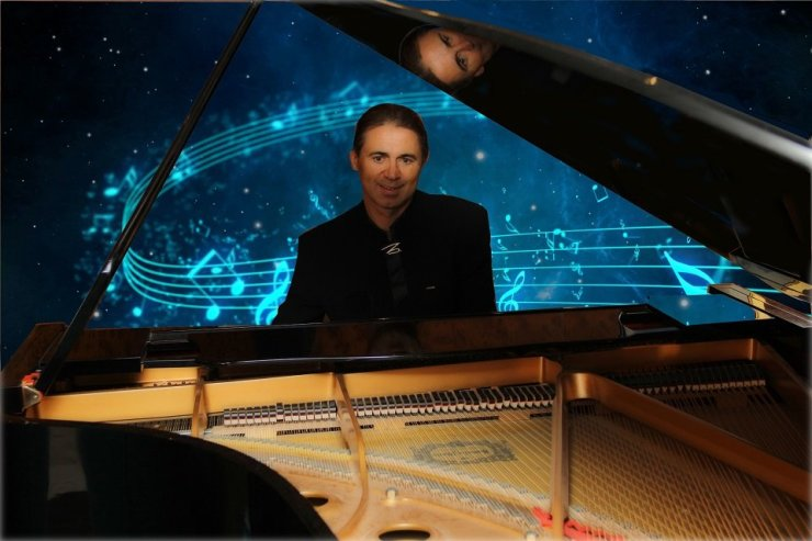 International Solo Pianist for Hire - Music for London