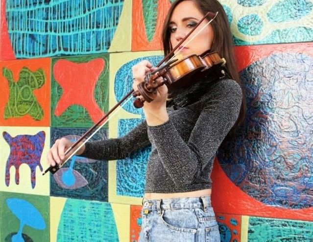 Electric & Acoustic Female Violinist in London - Music for London