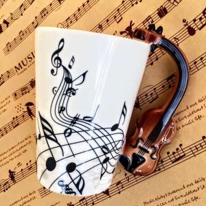Порцеланова чаша с дръжка във форма на цигулка, виола, щрайх, чело, виолончело, контрабас, релефна дръжка, чаша за чай, чаша за кафе, музикална чаша с ноти