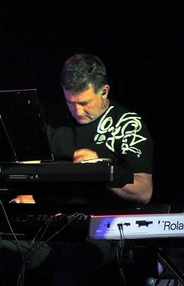 Bruno Sutre musicien pianiste clavier  la rochelle