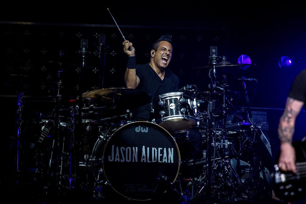 JasonAldean9-28-17-12