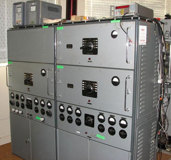 Dansk 500 kHz transmitters at Musick Point Radio