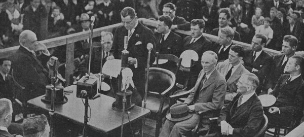 The reception to Captain Musick and his men: A view of the official dais during the speech by Mr CG Macindoe, chairman of the Auckland Harbour Board