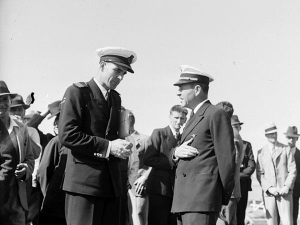 Captains Burgess (left) and Musick in Auckland, Dec 1937