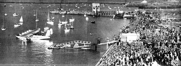 """The scene on the Auckland waterfront immediately after the arrival of the Clipper yesterday afternoon"