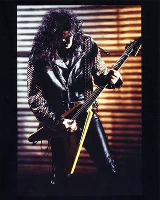 Bruce Kulick flying v guitar