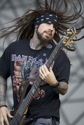 Fieldy Korn bass