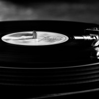 Pozdro techno. 8 dokumentów o muzyce elektronicznej, które trzeba znać