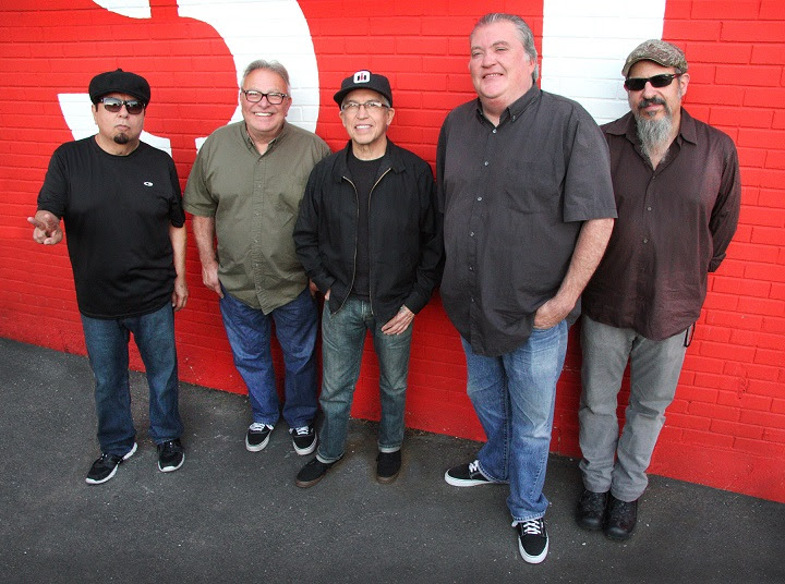 "Los Lobos to release new full length studio album, ""Gates of Gold"""