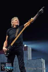 ROGER WATERS IN PHILADELPHIA THE WALL TOUR 2010 PHOTO STEVE TRAGER 13