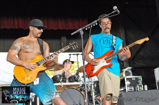 THE EXPENDABLES VANS WARPED TOUR 2011 CAMDEN NEW JERSEY 05