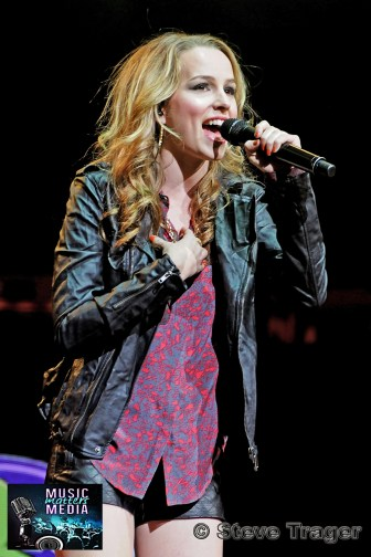 BRIDGIT MENDLER Q102 JINGLE BALL 2012 WELLS FARGO CENTER PHILADELPHIA PA 07