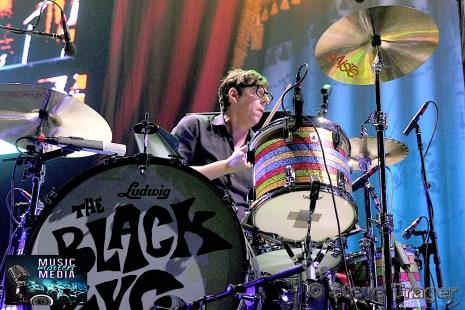 THE BLACK KEYS 2014 WELLS FARGO CENTER PHILADELPHIA PA 09