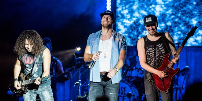 Chase Rice Roars Through Philadelphia On Lambs And Lions