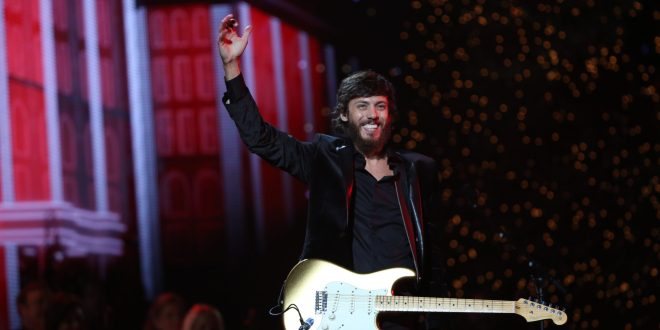 "Chris Janson performs ""Run, Run Rudolph"" at the 2019 ""CMA Country Christmas"" special filmed at Belmont's Curb Center in Nashville, Tennessee. ""CMA Country Christmas"" will air on Tuesday, December 3 on ABC."