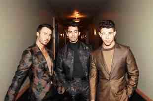 Jonas Brothers; Photo by Dennis Leupload