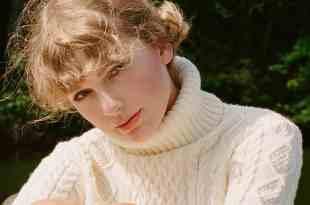 Taylor Swift; Photo by Beth Garrabrant
