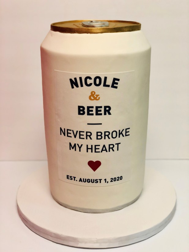 Luke Combs Wedding Cake Is Inspired By His Favorite Beer Brand And His Hit Song See Photos Music Mayhem Magazine