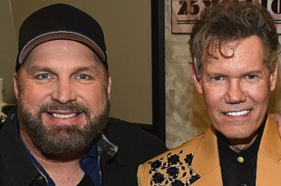 Garth Brooks & Randy Travis; Photo Courtesy of Rick Diamond/Getty Images for Outback Concert