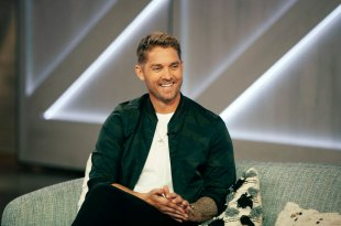 Brett Young; Photo by: Weiss Eubanks/NBCUniversal