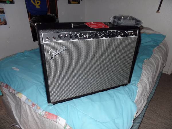 Fender Champion 100 Near new with Pedal