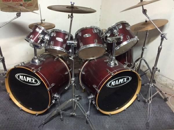 9 piece Mapex Drum set