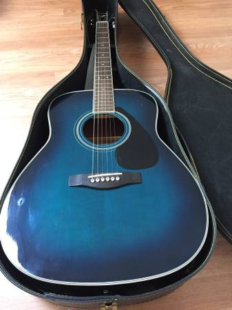 FS/FT: Yamaha Acoustic Guitar – Solid spruce top with case
