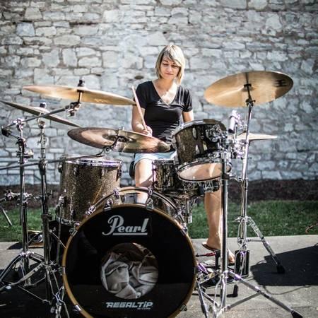 Pro drummer looking: originals, funk, neo soul, prog, fusion, jazz..et