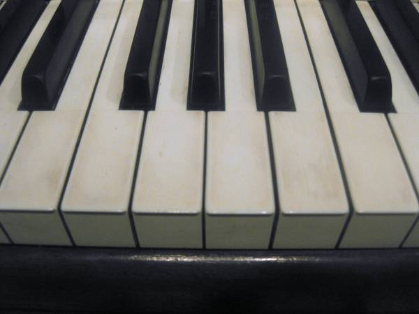 Pianist/Organist For Hire-Lessons Available
